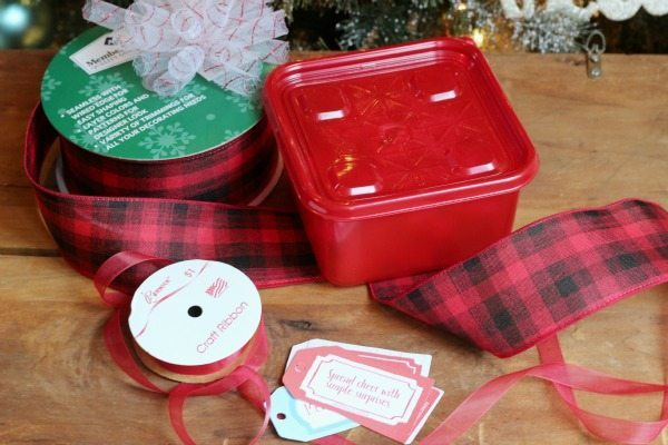 Use Ziploc containers for your Christmas goodies to stay fresh add ribbon and a gift tag for giving