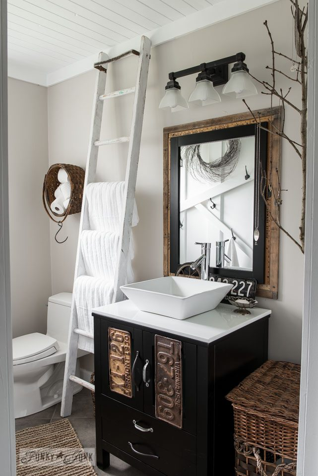 Gorgeous Farmhouse Projects - Farmhouse vanity