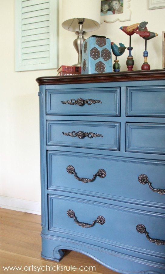 Annie Sloan Aubusson-Blue-Dresser-Redo-Thrift-Store-Dresser-chalkpaint-aubussonblue-artsychicksrule.com