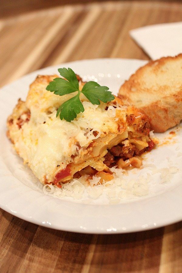 Delicious slow cooker lasagna just use your crock pot for a no hassle meal