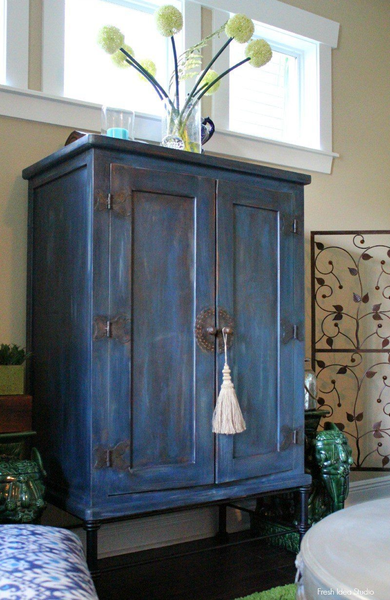 Midnight-Blue-painting-project-Tips-to-create-an-old-world-rustic-effectfrom Fresh Idea Studio