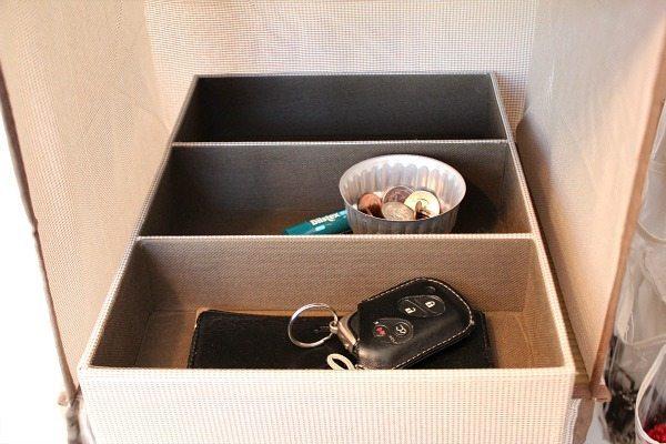 Morning routine organization. Closet organization ideas at Refresh Restyle