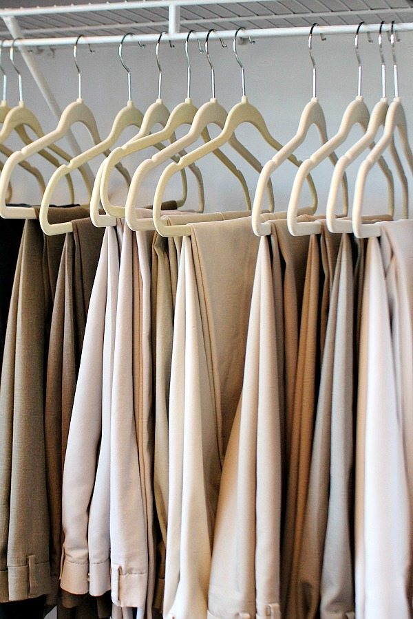 Narrow hangers are a great addition, get all the closet organization ideas and more at Refresh Restyle