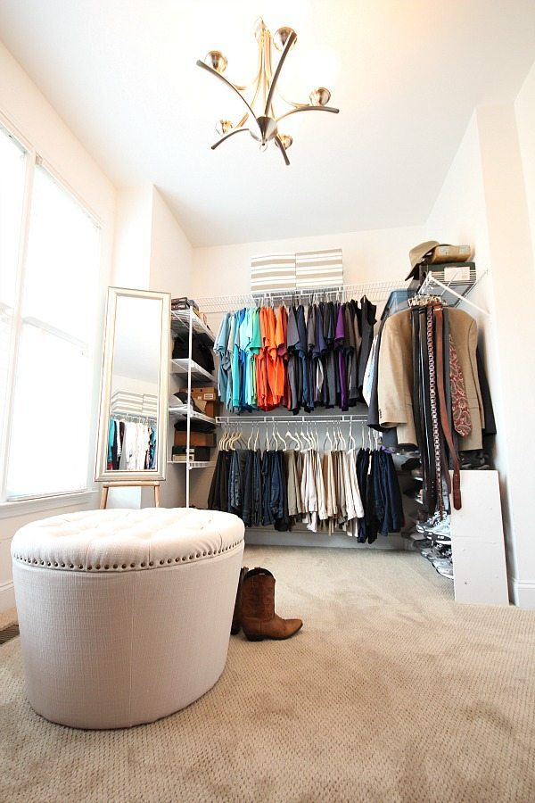 Organize by color. Closet organization ideas at Refresh Restyle
