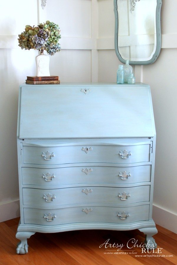 Secretary-Desk-Makeover-Chalk-Paint®-by-Annie-Sloan-from artsychicksrule