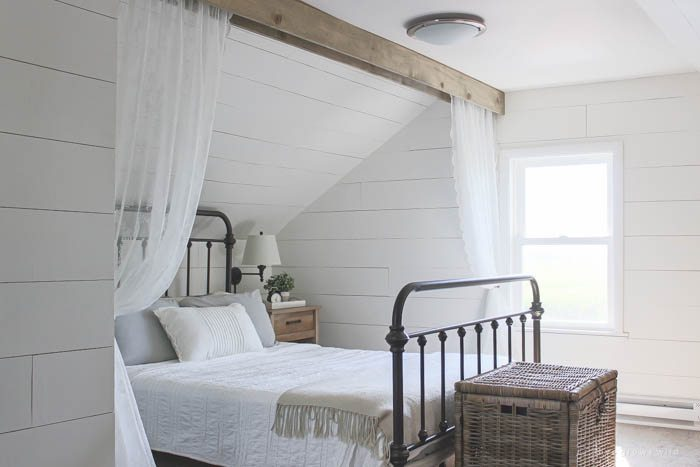Gorgeous Farmhouse Projects - Wood-Beam-and-Lace-Curtains