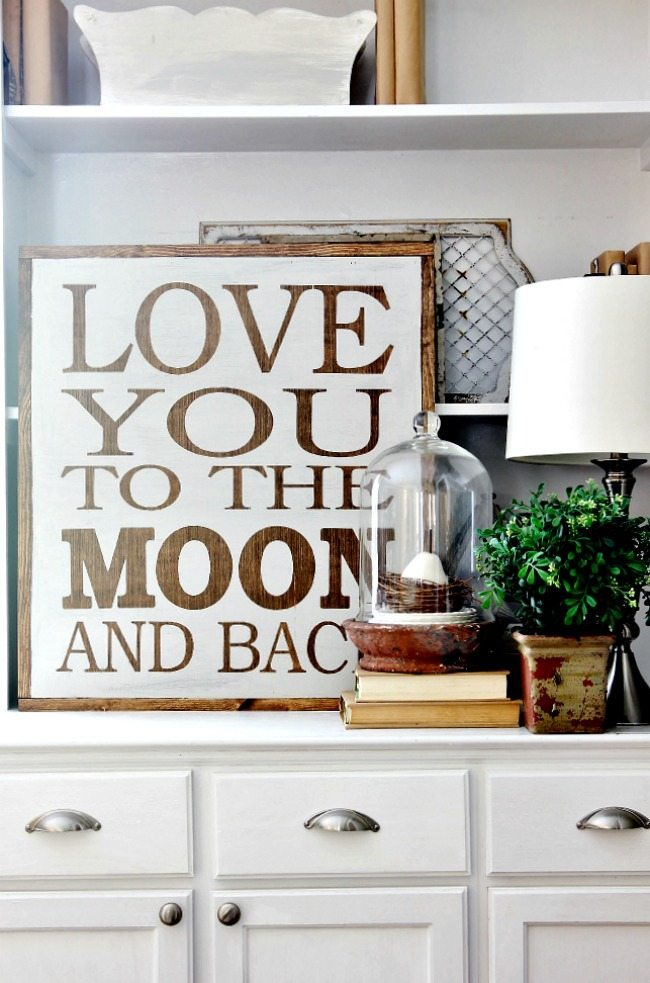 Gorgeous Farmhouse Projects - love-you-to-the-moon-and-back-sign