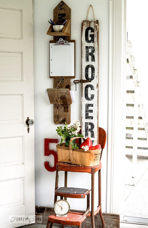 Gorgeous Farmhouse Projects - picket-notes-grocery-sign