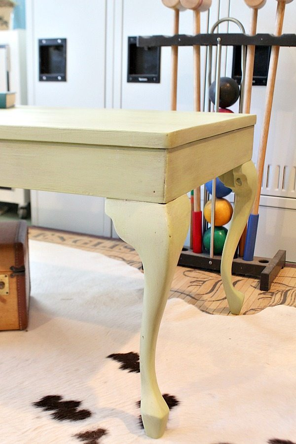 From frumpy to fresh Queen Ann coffee table makeover
