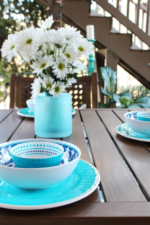 Outdoor living - Beautiful aqua and navy melamine serve ware - Outdoor Patio Refresh - Spring is here and so is entertaining season. We love spending time outside