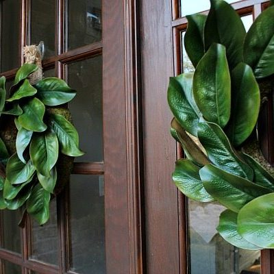 Double door - Get creative - Ingredients for making a beautiful realistic looking affordable magnolia wreath