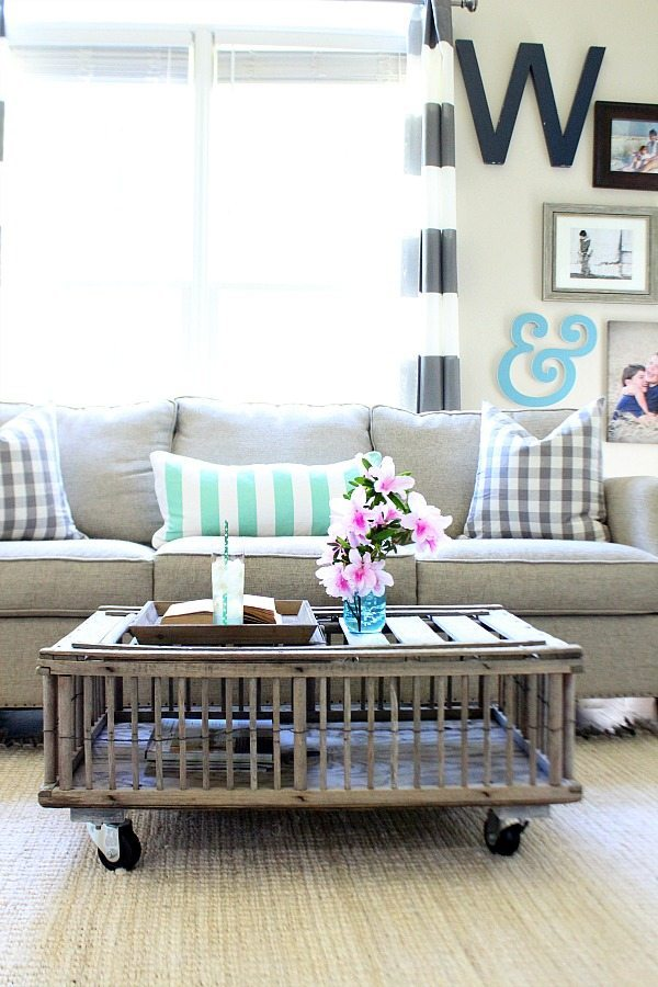 Chicken coop coffee table - thrift store makeover Refresh Restyle