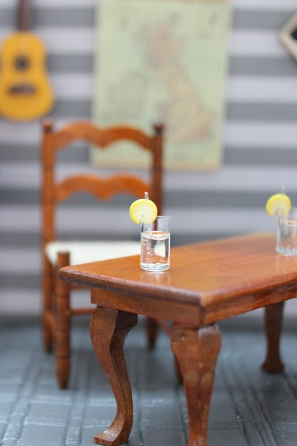 Dollhouse mini lemonade at Refresh Restyle