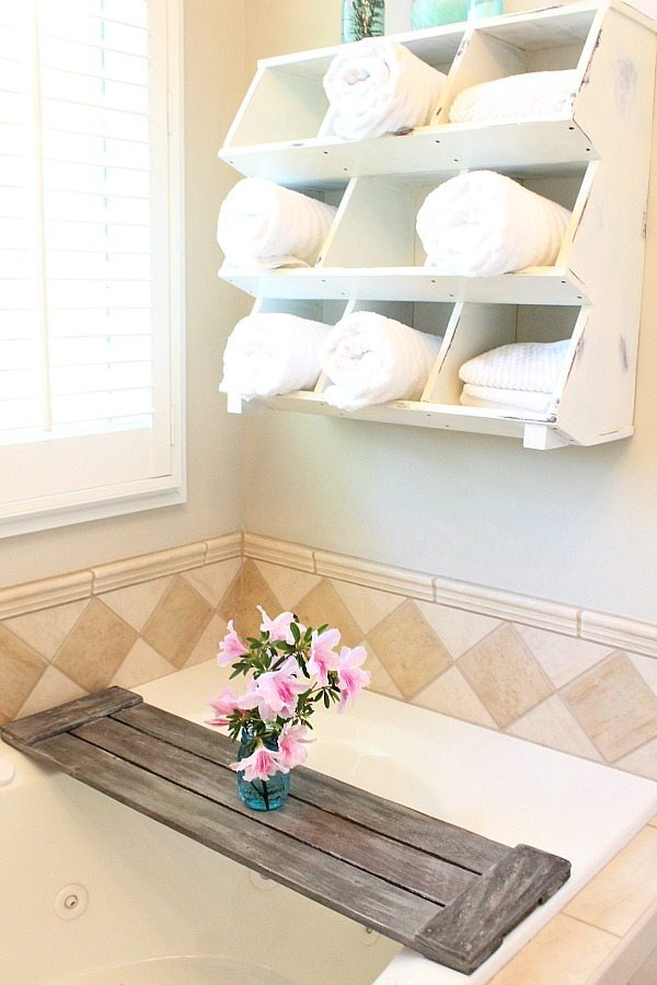 Driftwood finish on tub tray - Pallet tub tray - easy do it yourself pallet project