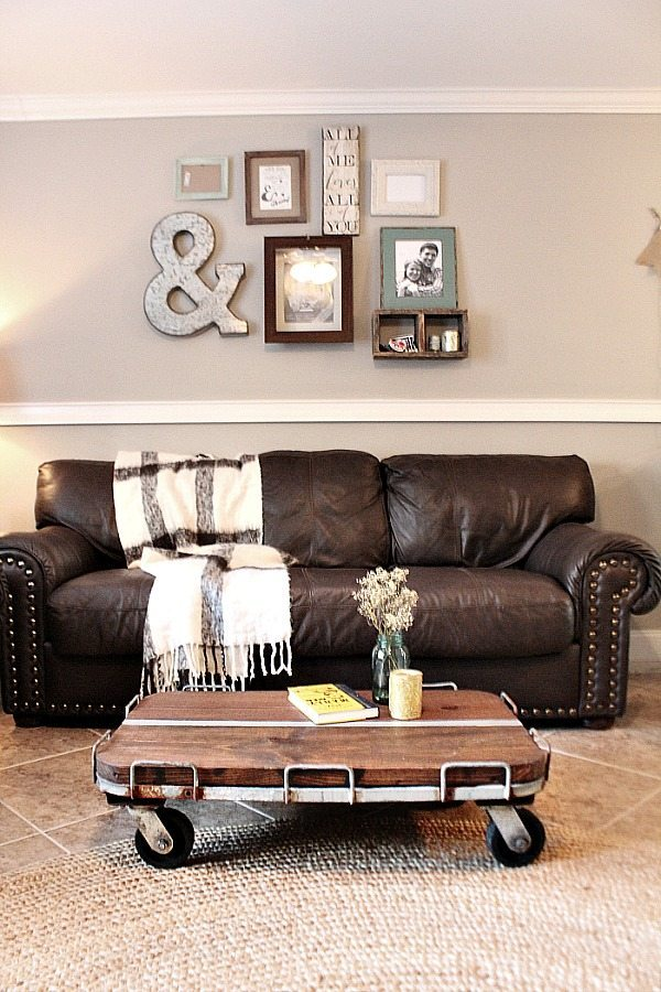 Factory cart DIY rustic farmhouse coffee table at Refresh Restyle