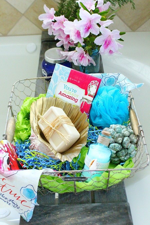 Mother's Day gift idea - Pallet tub tray - easy do it yourself pallet project
