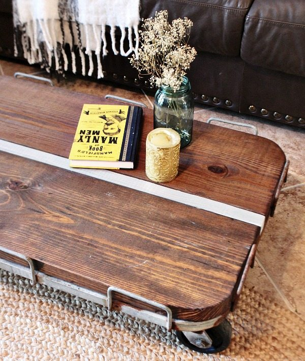 Rustic farmhouse cart for coffee table DIY at Refresh Restyle