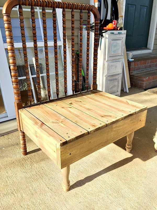 Two tone bench makeover with vinegar and steel wool solution
