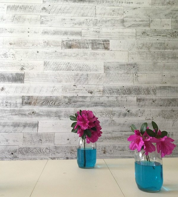Weathered white wall using Stikwood easy farmhouse look by Refresh Restyle