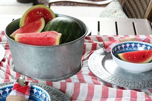 Galvanized bucket as a serving idea - Outdoor Entertaining Easy and Affordable
