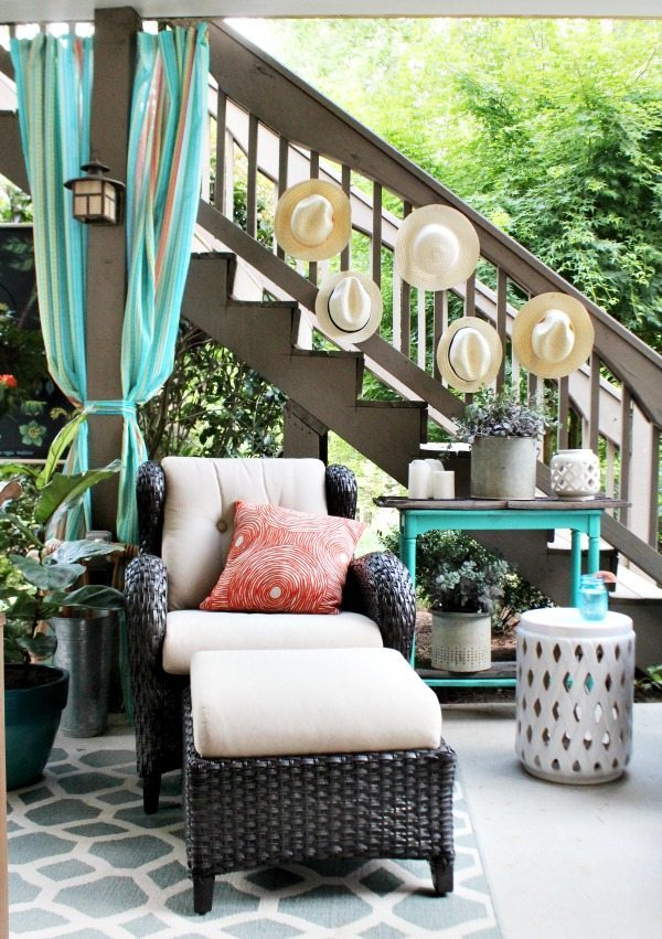 No sew, easy outdoor curtains - Outdoor Entertaining Easy and Affordable at Refresh Restyle