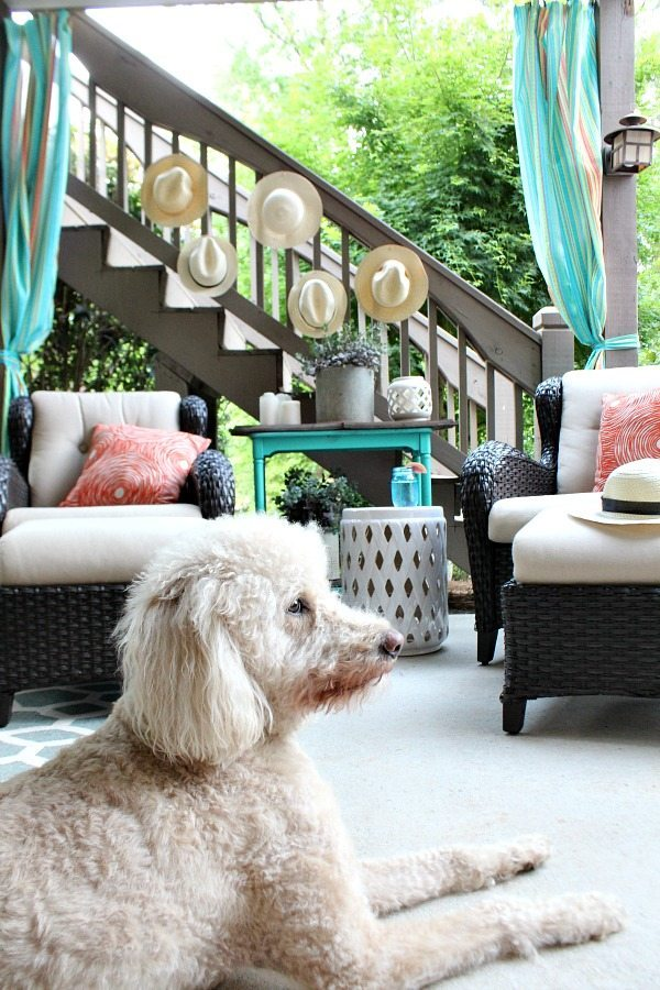 Relaxing space - Outdoor Entertaining Easy and Affordable at Refresh Restyle