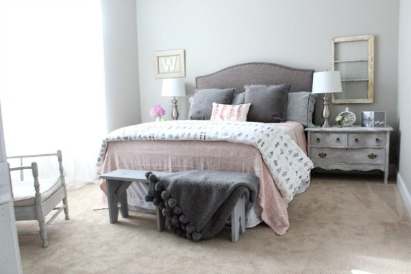 Relaxing - Guest room with corals and gray at refreshrestyle.com