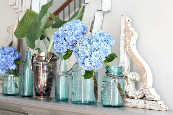 Simple mantel idea - perfect for summer