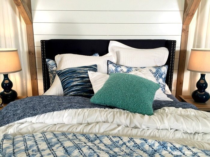 Add a Pop of turquoise to navy and white - fun details of a navy and white farmhouse bedroom idea at Refresh Restyle