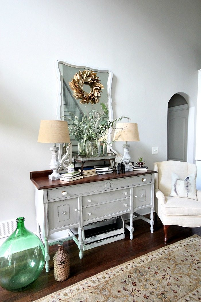 Light and Bright entry with painted furniture - lamps - mirror