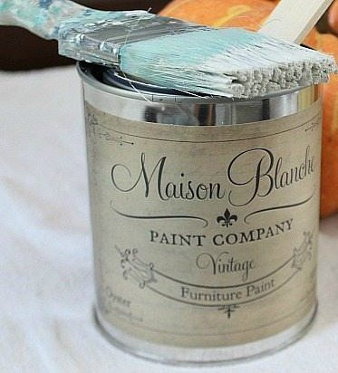 Maison Blanche Oyster vintage furniture paint
