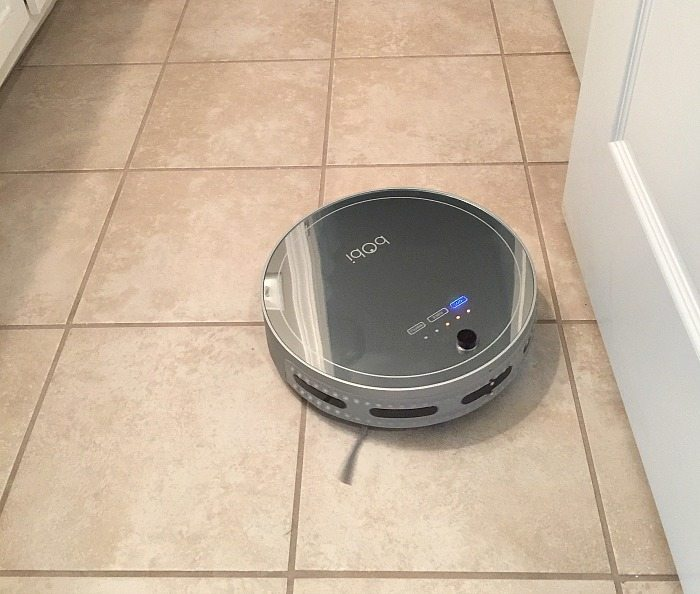 Vacuums tile - bObi Pet by bObsweep review
