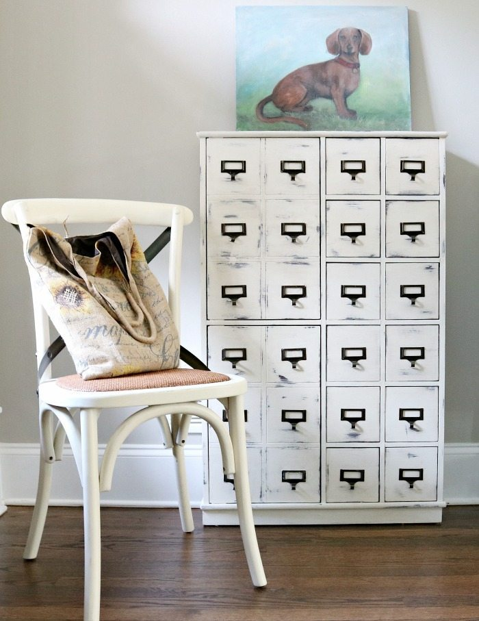 apothecary-makeover-with-chalk based paint maison-blanche