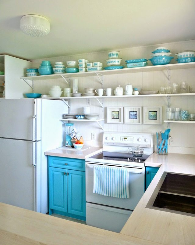 Dans Le Lakehouse, Turquoise and Aqua Kitchen Ideas via Refresh
