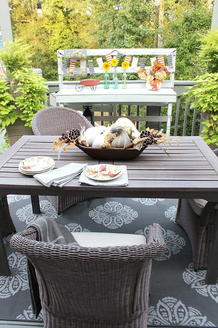 fall-back-porch-with-pallet-serving-table-at-refresh-restyle