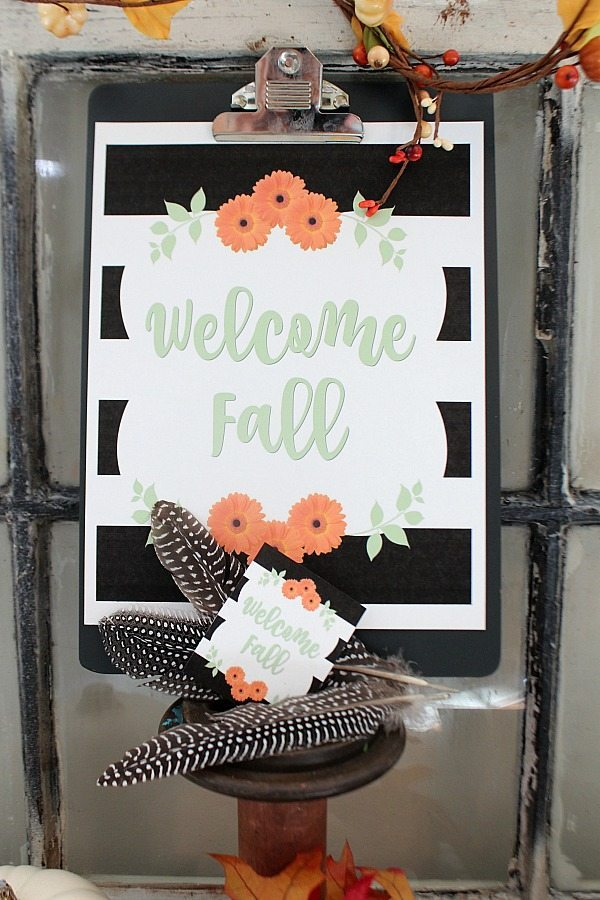Fall printable free idea for you to print at home - love the black stripes