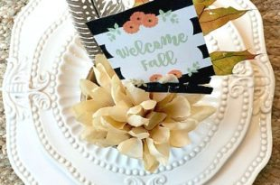 free-welcome-fall-place-card