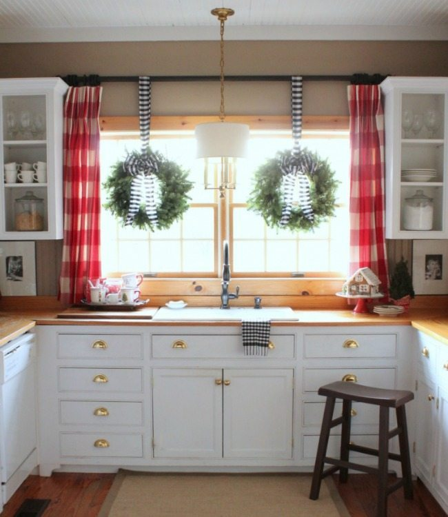 Talk of the House, Christmas in the Kitchen via Refresh Restyle