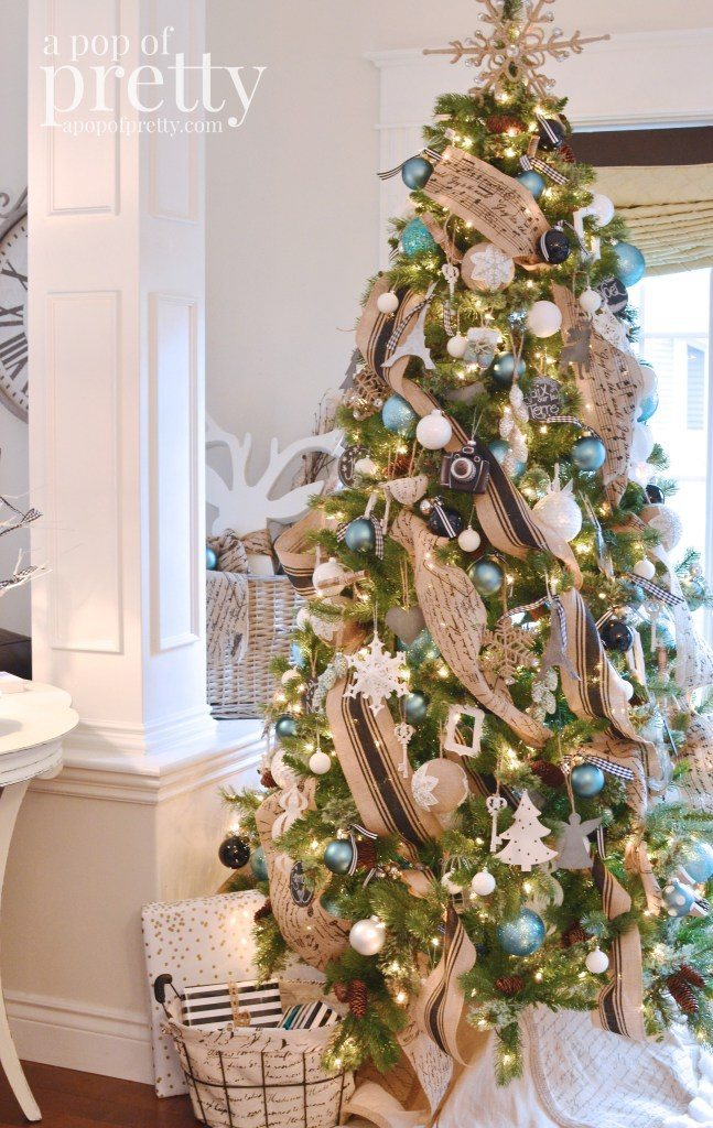 A Pop of Pretty, Blue Christmas Tree Ideas