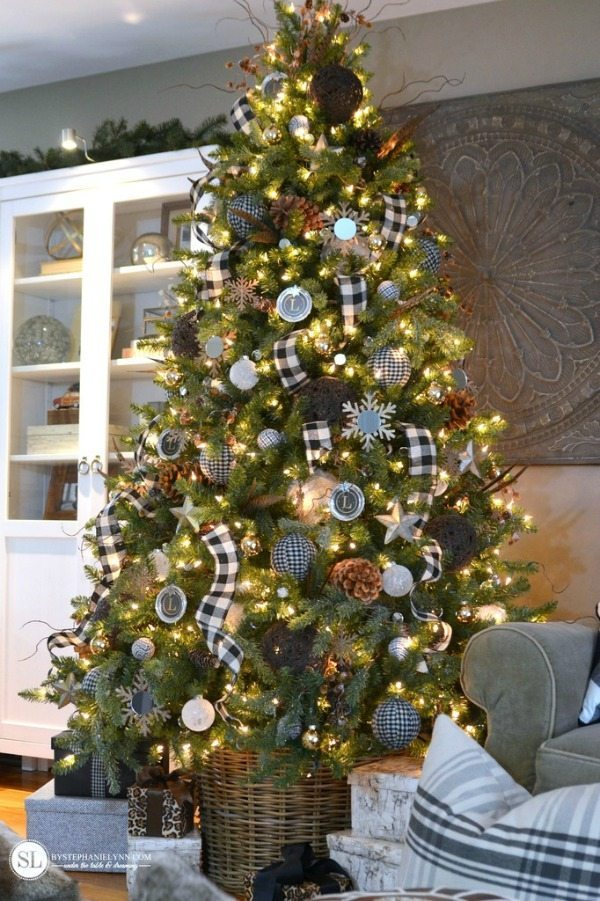 By Stephanie Lynn, Plaid Christmas Tree Ideas