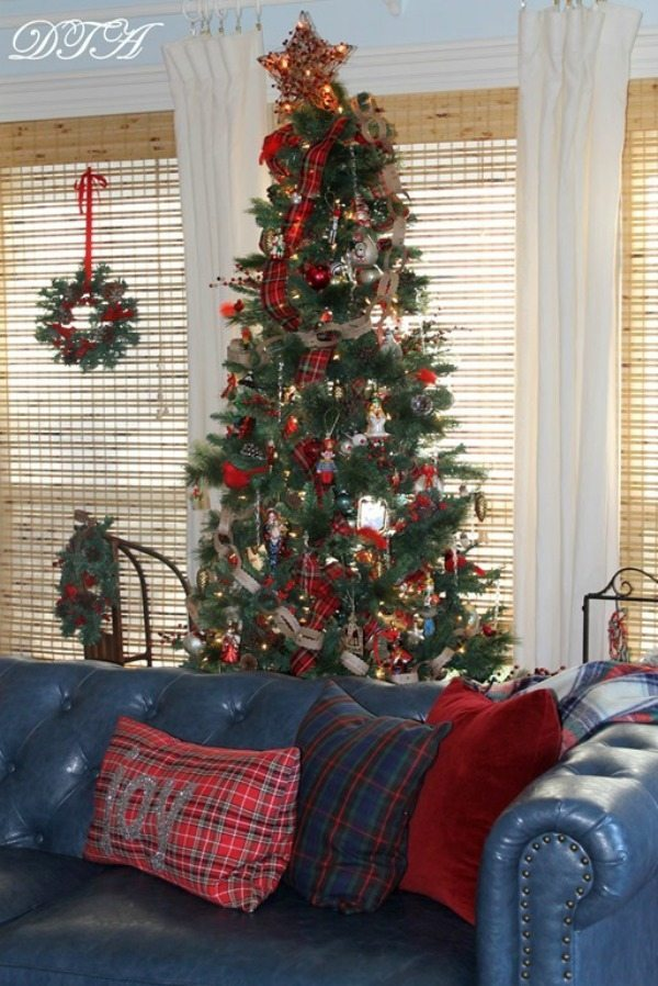 Decor to Adore, Plaid Christmas Tree Ideas