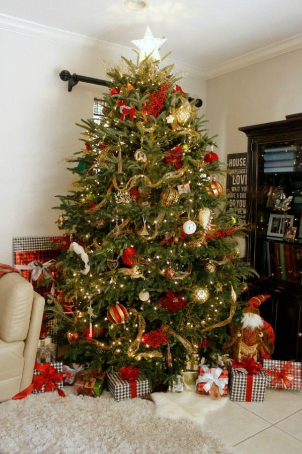 Red And Gold Christmas Tree.Gold And Silver Christmas Tree Ideas Refresh Restyle