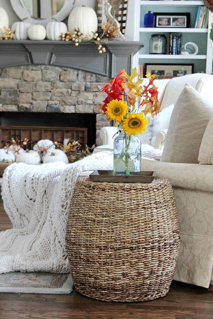 leaves-and-sunflowers-are-easy-and-simple-fall-decor