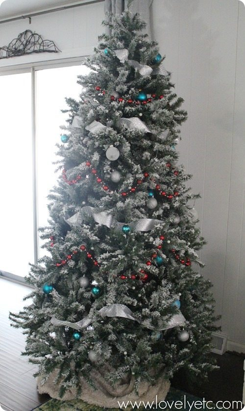 Lovely Etc, Gold and Silver Christmas Tree Ideas via Refresh Restyle
