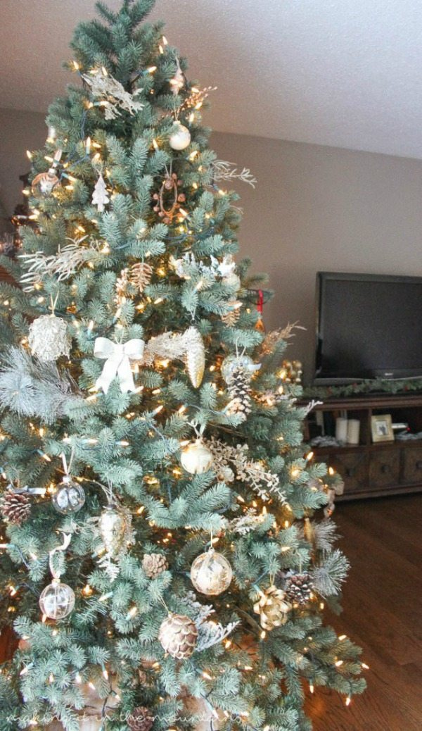 Making it in the Mountains, Gold and Silver Christmas Tree Ideas via Refresh Restyle