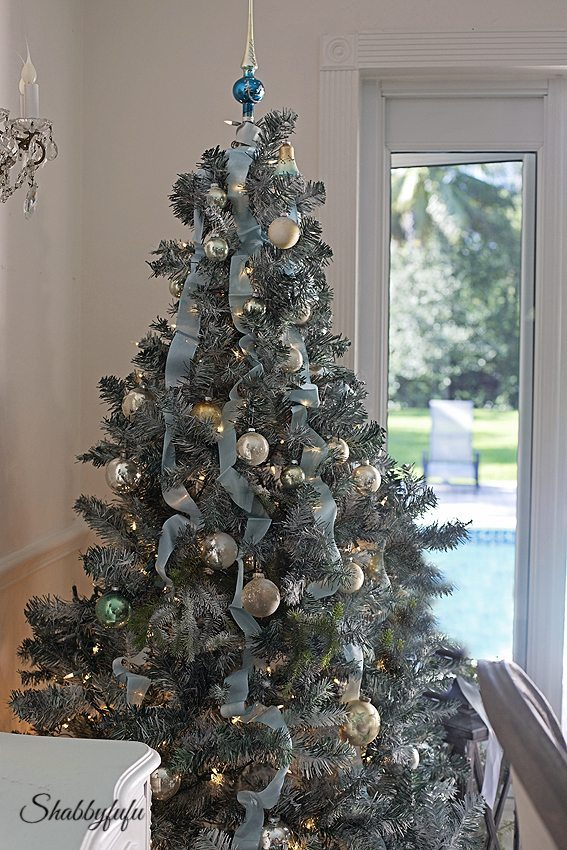 Shabbyfufu, Blue Christmas Tree Ideas