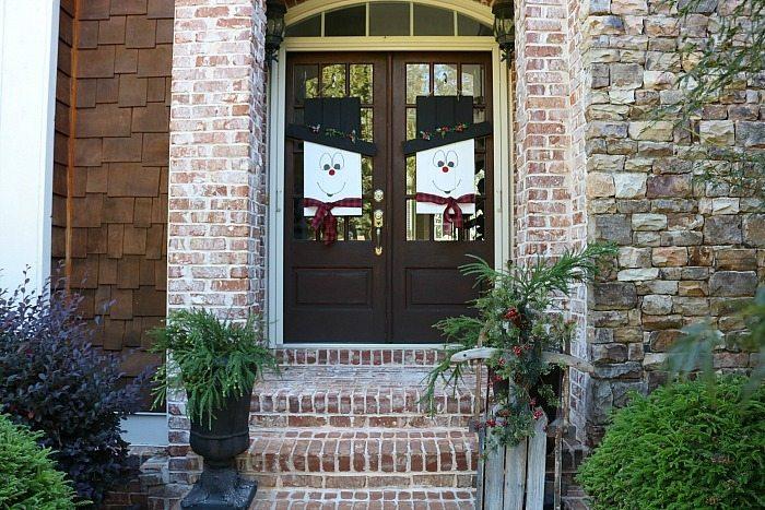 snowman-door-hanger-perfect-all-winter-long-a-diy-door-idea-at-refresh-restyle