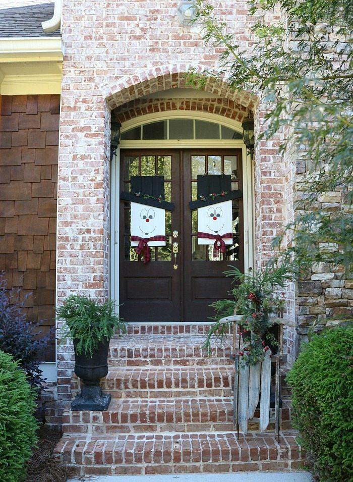 snowman-door-hangers-reverses-to-fall-door-idea-at-refresh-restyle
