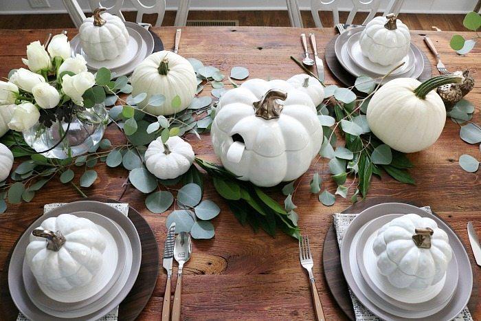 soup-tureen-shaped-like-a-pumpkin