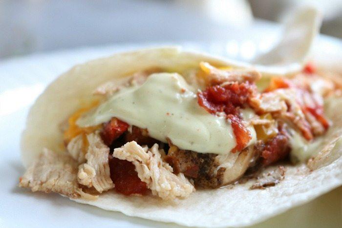 chicken-fajitas-with-avocado-dressing